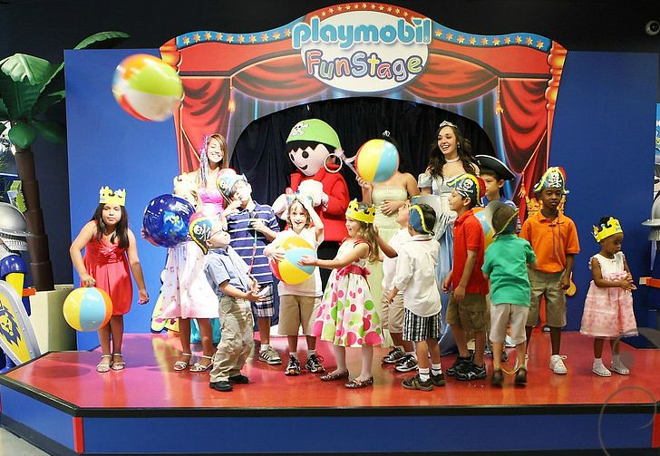 July 2012 Playmobil the Perfect Place for Kids Parties