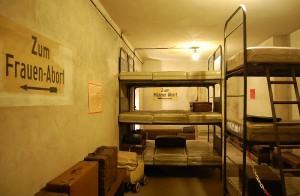Berlin Underground WWII Air Raid Shelter - Images © Berliner Unterwelten e.V.