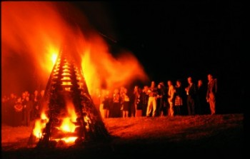 Bonfire on the Levee Photo courtesy of New Orleans CVB