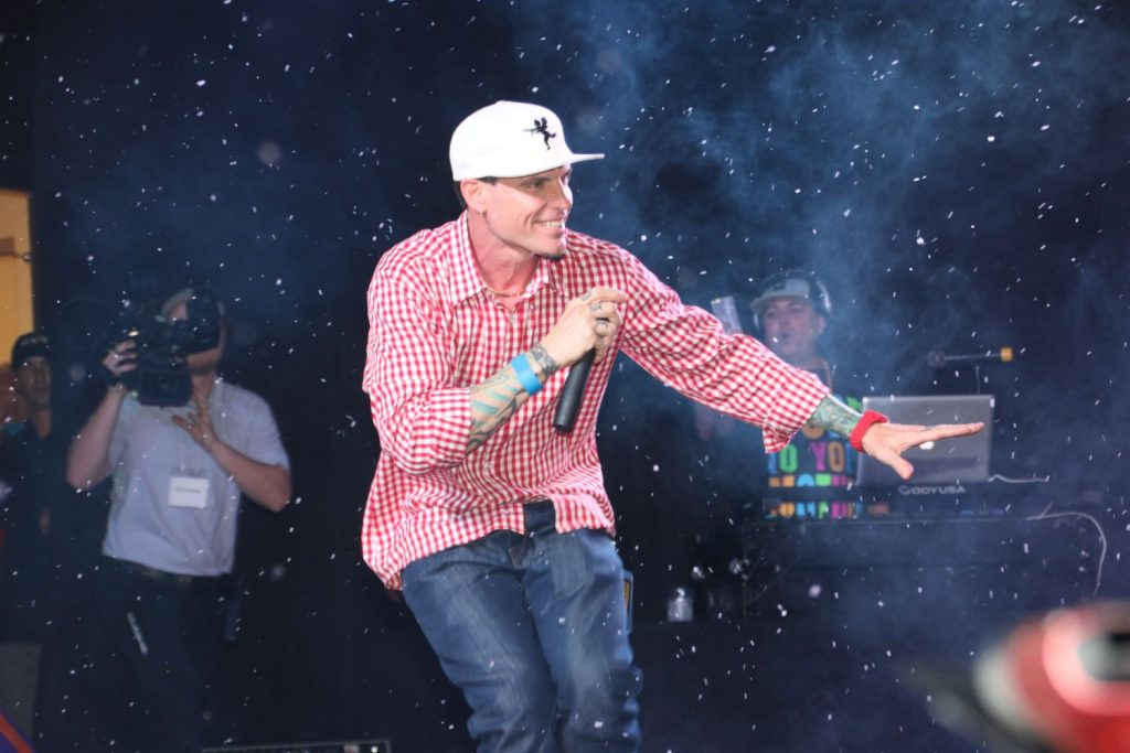 Vanilla Ice on stage. Photo by Carol Porter.